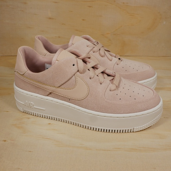 251d5bf87f7 New Nike Air Force 1 Sage Low Suede Platform Shoes.  M 5be3a9eebaebf620efb4f6e0